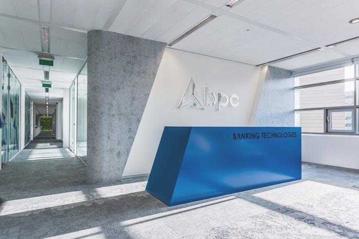 跨境电子商务零售办公室装修设计案例