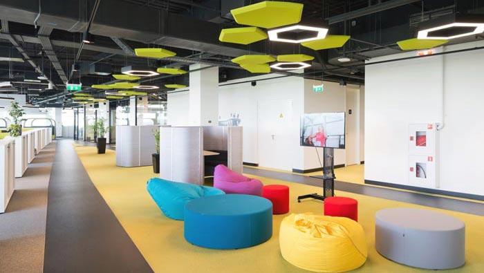 运动用品制造商厂家办公室休息区域装修设计案例效果图