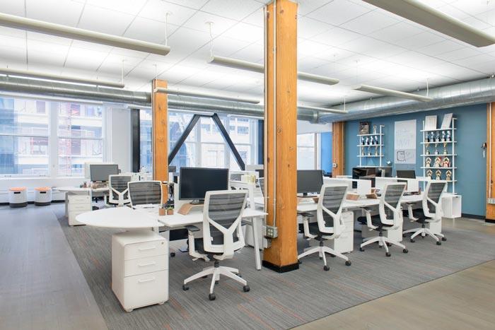 用户体验设计公司办公室办公区域装修设计案例效果图