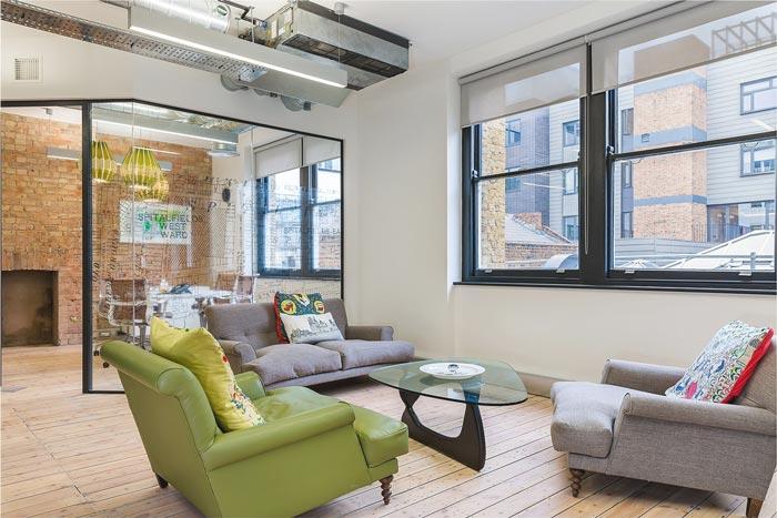 900平方投资办公室装修设计实景图