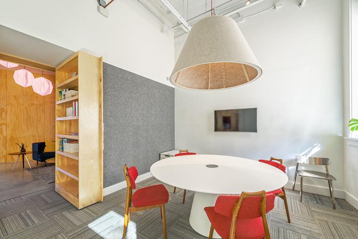 小型创意公司办公室装修设计案例