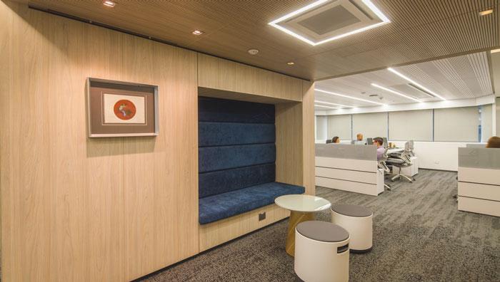 贷款金融公司办公室办公区域装修设计案例效果图