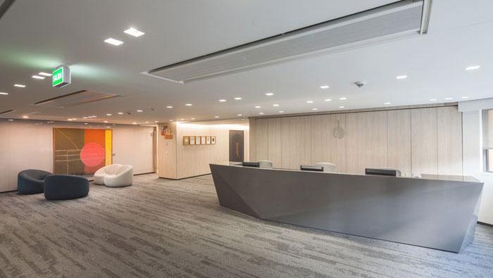 贷款金融公司办公室前台装修设计案例效果图