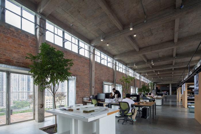 厂房LOFT风格办公室绿植装修设计案例效果图