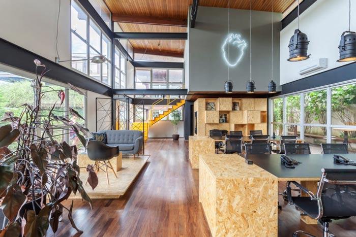 loft风格电影公司办公室进门区装修设计案例效果图