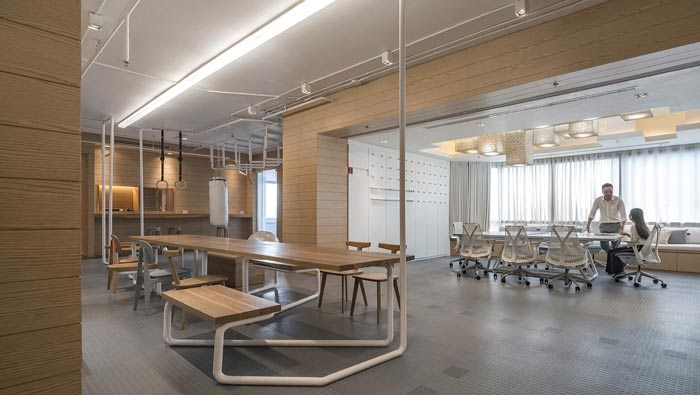 IT创业公司办公室进门区装修设计案例效果图