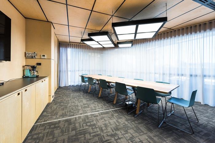 节能公司办公室会议室装修设计案例效果图