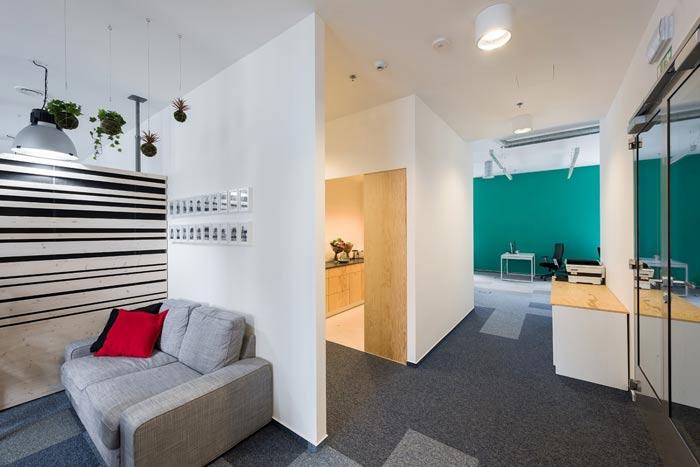 节能技术公司办公室员工休息区装修设计案例效果图