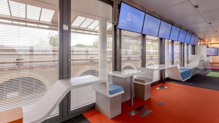 环境监测公司办公室左侧装修设计案例效果图