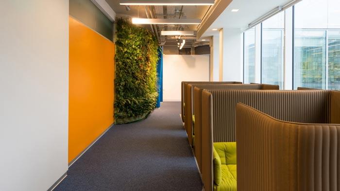 科技信息公司办公室交流区装修设计案例效果图