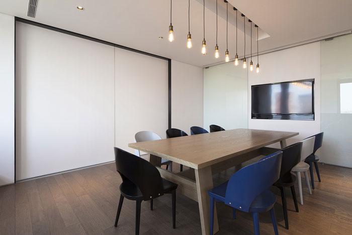 创意办公室小型会议室装修设计效果图