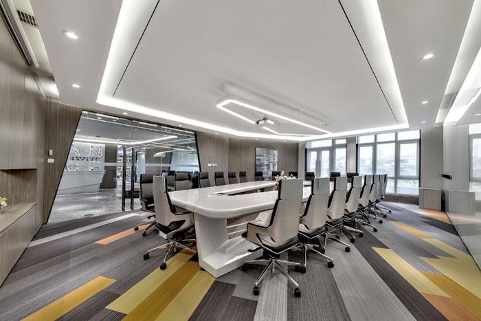 金融科技办公室会议室装修设计效果图