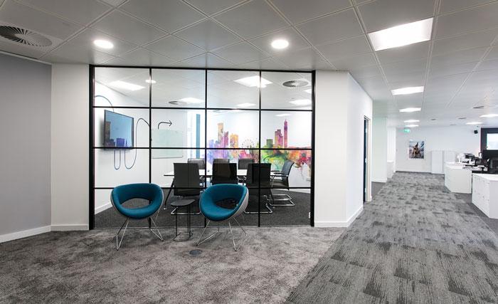 600平方办公室进门区装修设计效果图