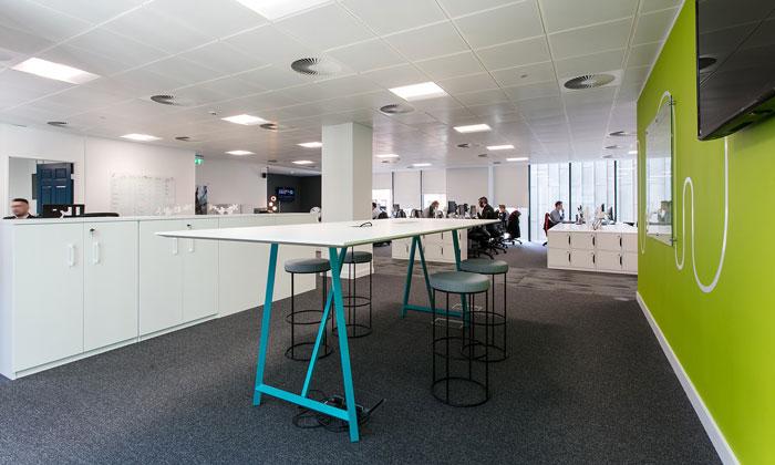 600平方办公室办公交流区装修设计效果图