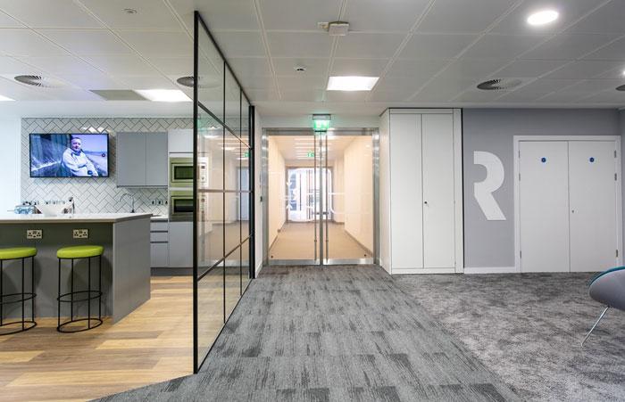 600平方办公室过道装修设计效果图