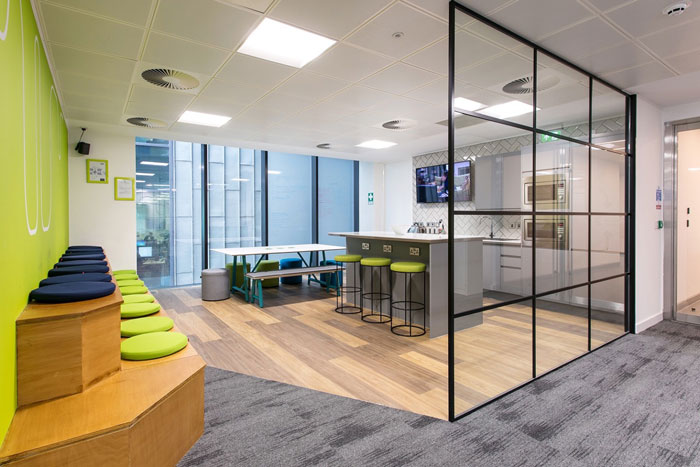 600平方办公室茶水间装修设计效果图