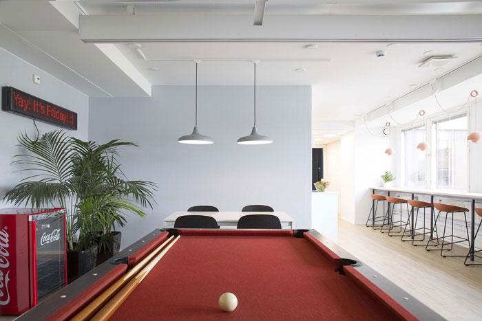 750平方办公室台桌区域装修设计效果图