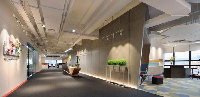 金融控股集团办公室前台过道装修设计效果图