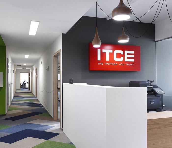 IT培训学校办公室装修设计效果图