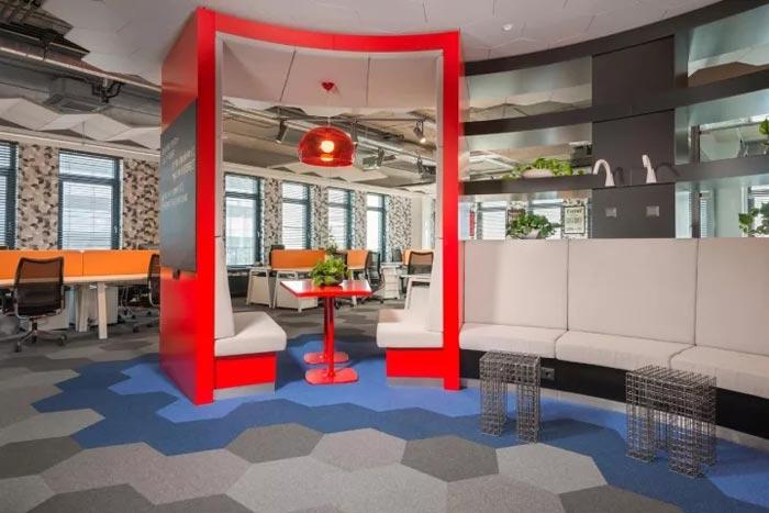 2500平方办公室交流区装修设计效果图