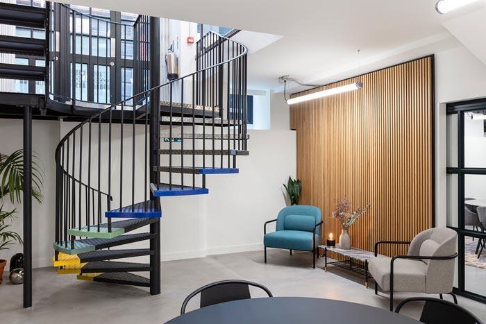 两层办公室楼梯装修设计效果效果图